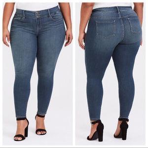 Torrid Jegging Medium Wash Crop Jeans